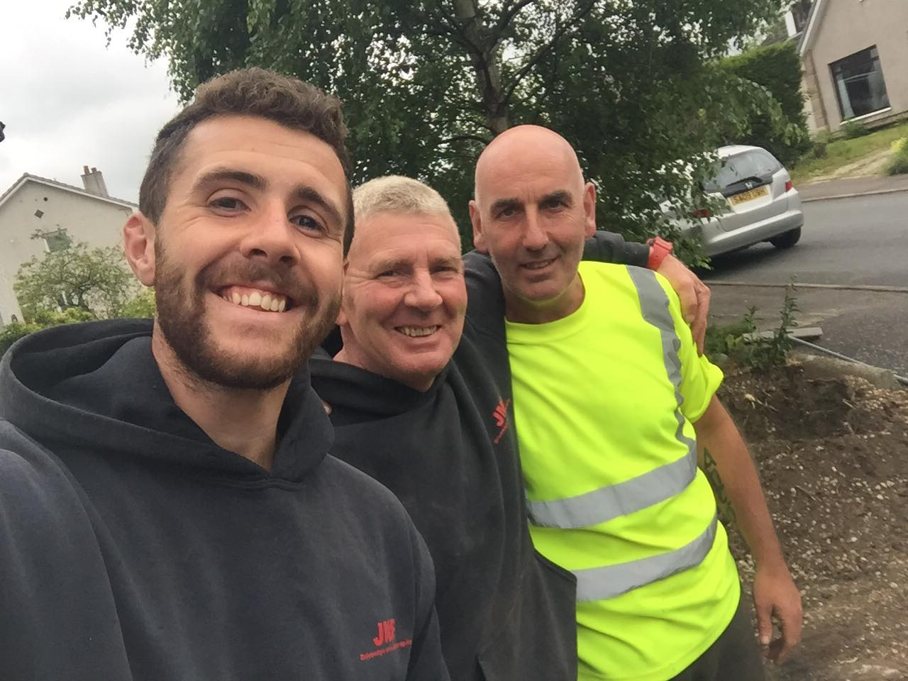 😂😂 #mawselfie from today with the bold Antony from bedrock 😂😂 — with Mark Odonoghue and Fintan O'Donoghue.